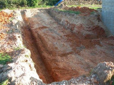 12.09.2010 : terrassement de la descente du sous-sol