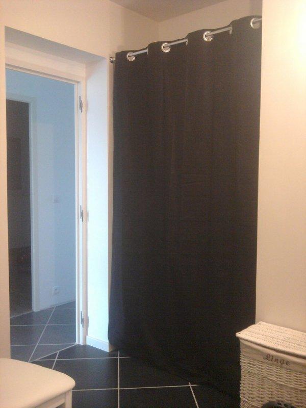 15.04.2012 : le placard de la salle de bain