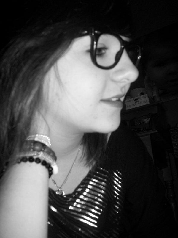 ~ Si l'αimer est une erreur αlors mα vie est un échec complet .