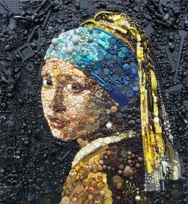 Découvrez les réalisations exceptionnelles de l'artiste anglaise, Jane Perkins qui crée des portraits avec des objets trouvés dans la rue. Ce qu'elle réussit à faire dépasse l'imaginaire, ce sont des véritables oeuvres d'art représentant des célébrités comme Einstein, la reine d'Angleterre ou Usain Bolt. Les objets utilisés sont des billes, jouets, boutons et d'autres encore.  Jane Perkins donne un second souffle aux objets en les recyclant avec beaucoup de talents mais surtout de la patience :