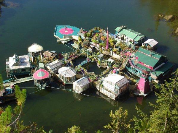 Wayne et Catherine ont bâti un charmant îlot pour vivre de façon autonome sans polluer