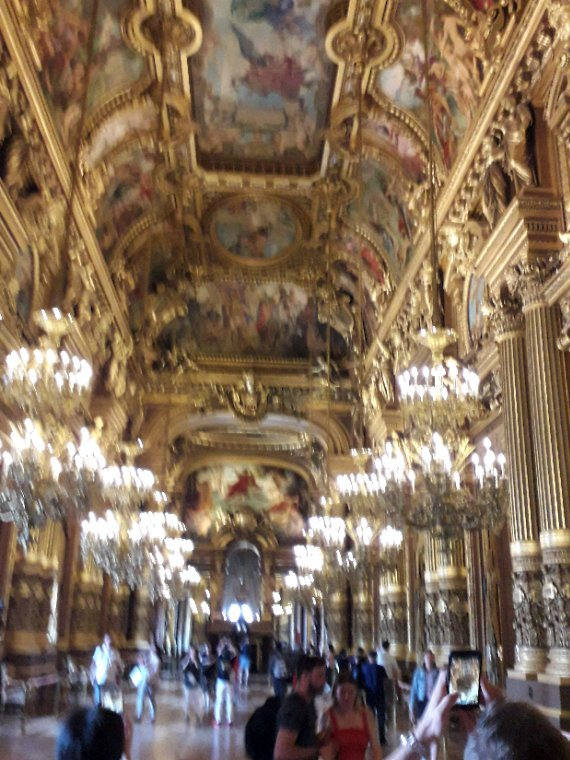 Magnifique hall de l'opéra