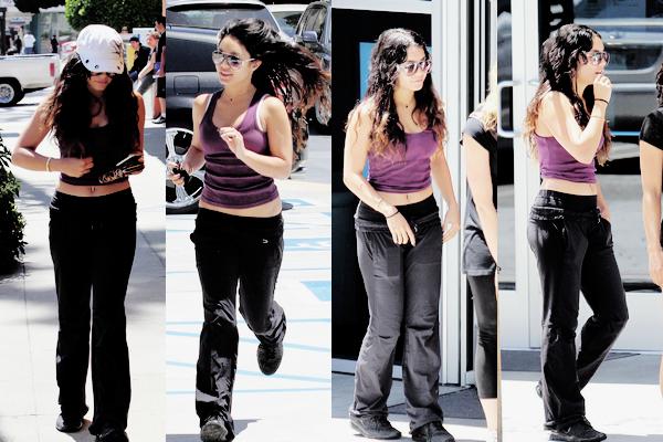 21.05.2012 Vanessa été vu en quittant sa séance d'entraînement à Los Angeles! TOP ou FLOP?