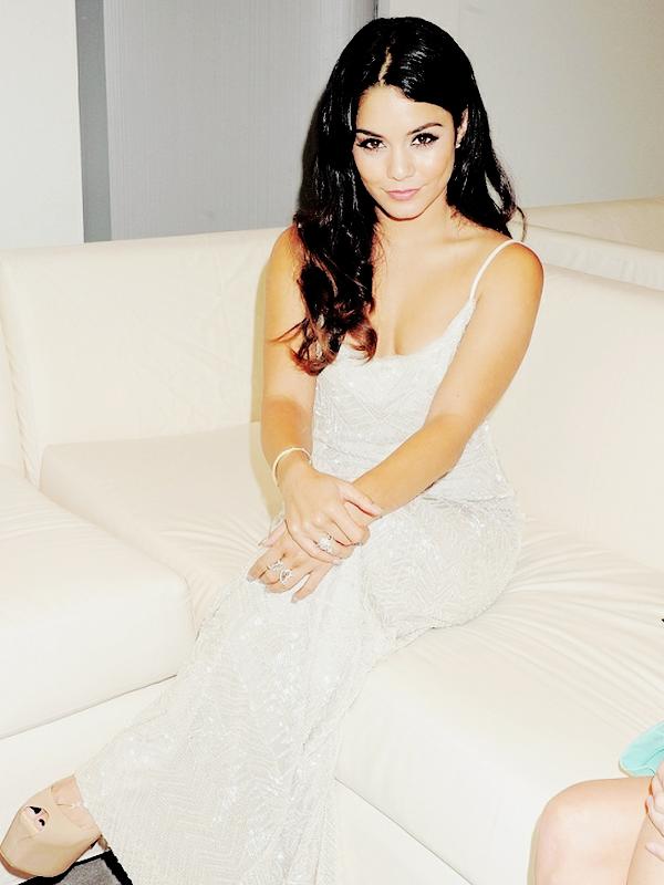 25.05.12 Vanessa était à Monaco à l'événement Amber Lounge Fashion Show!
