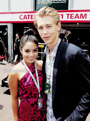 28.05.2012 Vanessa étaient à l'aéroport de Nice avec Austin ! TOP ou FLOP? + Une photo avec une fan a Barcelone.