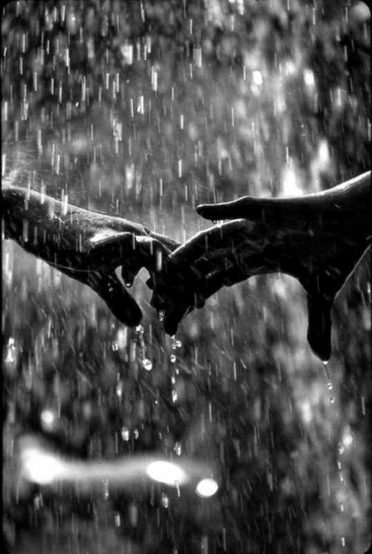 <3 Bonne journée <3 Malgré la pluie....bisous ;)