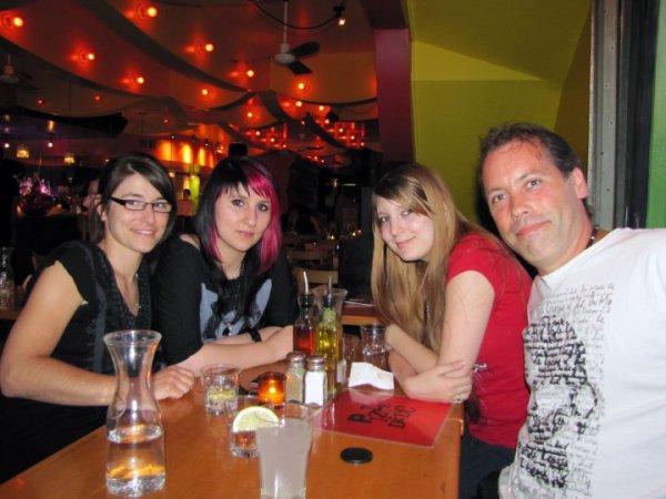 Stephanie - Moi - Tanya - Sylvain