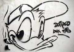 Donald avec une cigarette et une casquette