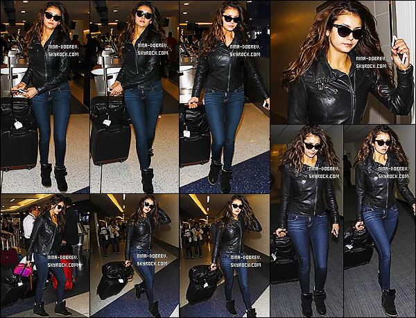 24/03/14 : Après avoir passé le  week-end à Los Angeles, Nina a été vue  à l'aéroport de LAX, direction Atlanta.