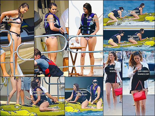 15/06/2014 - Nina a été vue avec sa mère, Jessica Szohr et Emma Miller faisant une balade en bateau à Monaco.