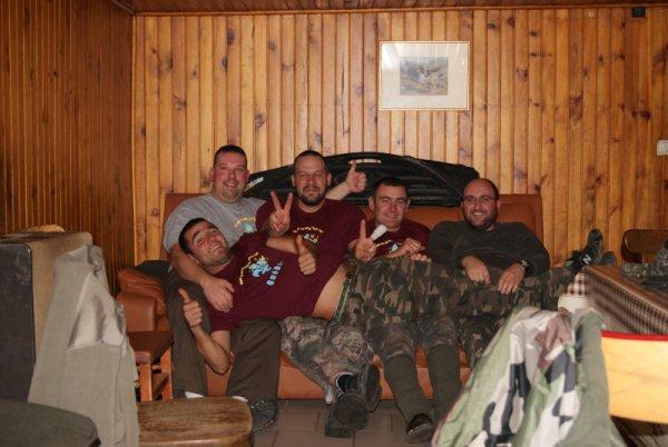 La hutte c'est les copains