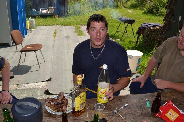 Journée barbecue a la hutte , avec quelques travaux