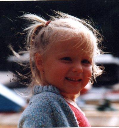 moi kan j'etais petite est ce je ressemble a ma fille ?donner moi des rep
