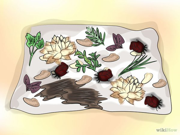Pots-pourris humides. Cette méthode « prolonge » la vie des fleurs, des feuilles et des pétales et laisse un parfum enivrant.