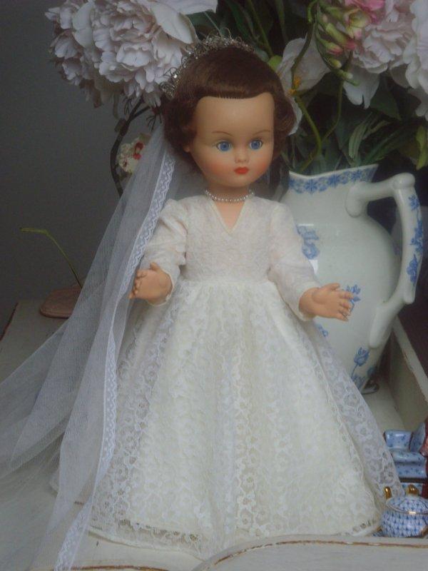Mam'selle Nina se marie !