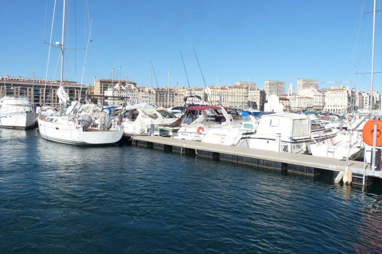 photos du vieux Port ,  en traversant avec le Ferry-Boat  ( gratuit )