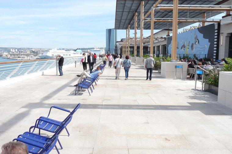 Terrasses du Port Marseille ( 190 commerces ,2000 emplois ) Photos Pierre Paul