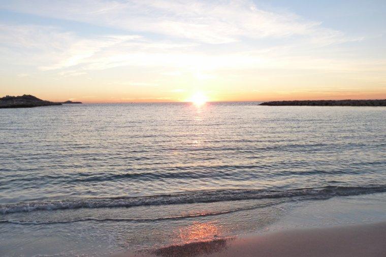 Je trouve le coucher de soleil romantique cette semaine à Marseille ( Photos Pierre Paul )