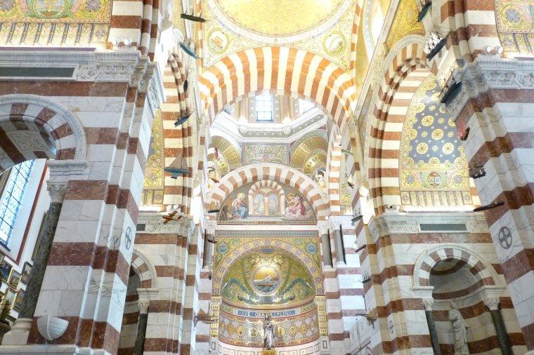 Les plafonds de la Basilique de notre Dame de la garde (Marseille )