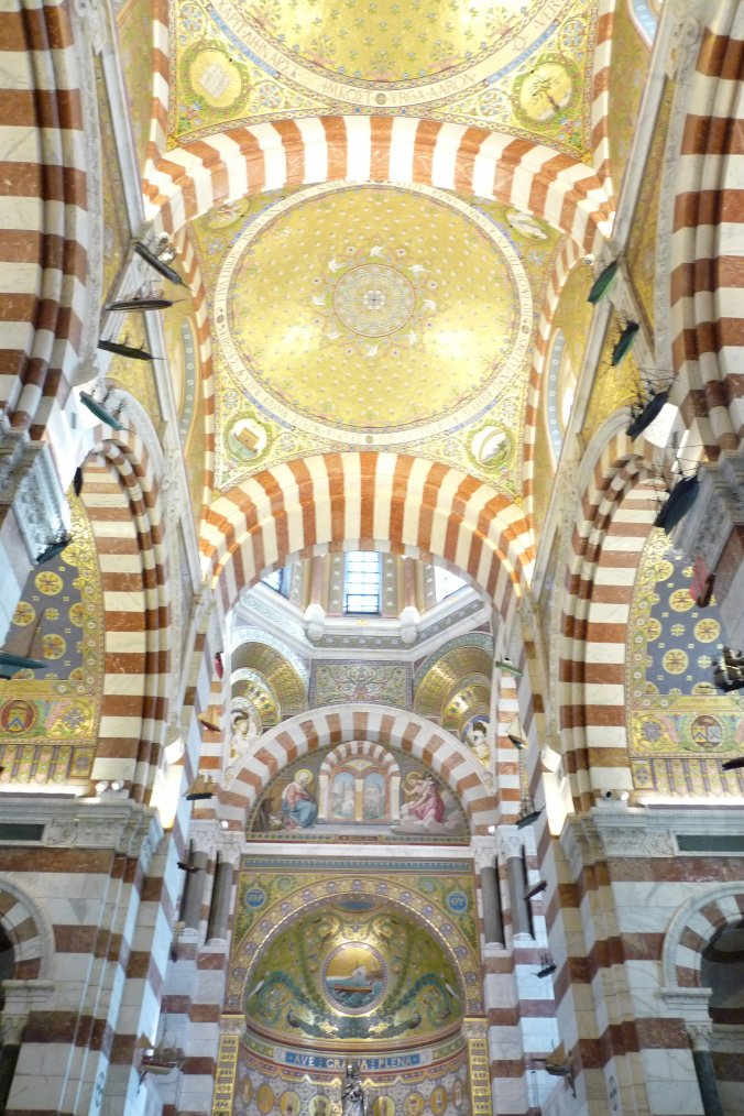 Photos Pierre Paul de Vues de Marseille ( suite pour les plafonds sans flash )