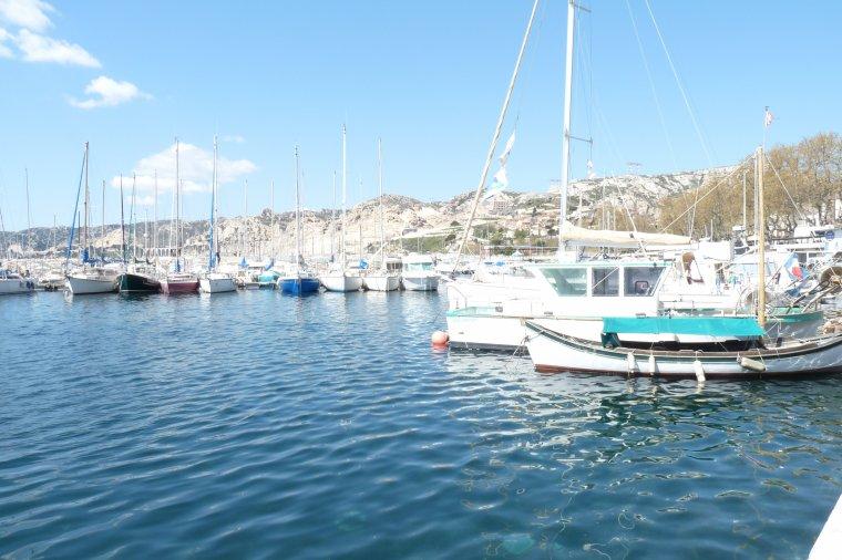Depuis l'Estaque Marseille ,je vous souhaite une bonne fin de semaine -Gros Bisous