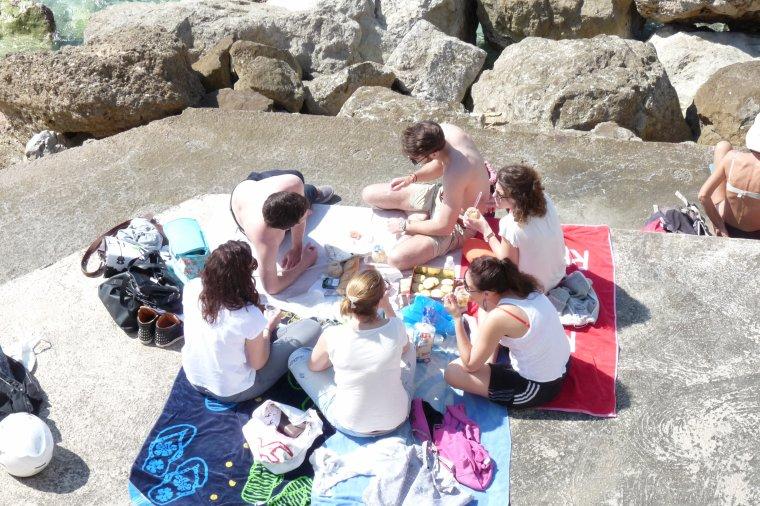 Manger au bord de mer c'est agréable ( l'article sera secret à partir de jeudi  )
