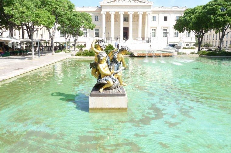 Marseille Palais de Justice extérieur et devant l'entrée