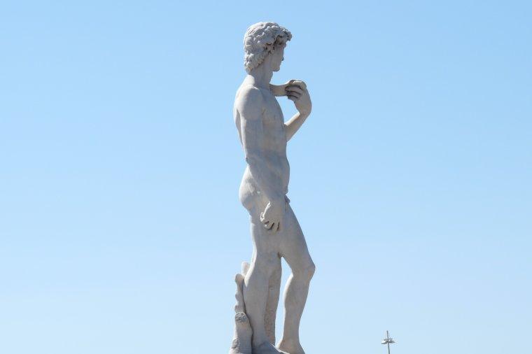 à 100 et 200 m de la mer , Prado Marseille David