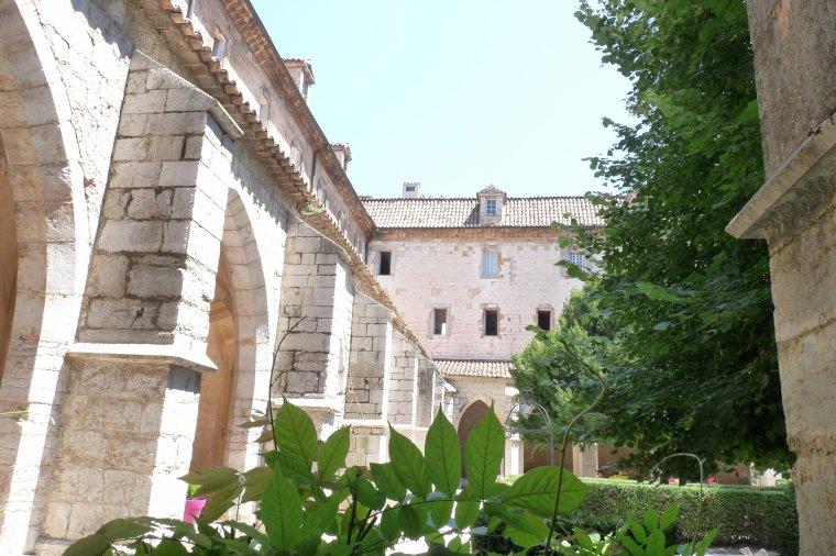 58 km de Marseille ,le couvent Royal de Saint Maximin