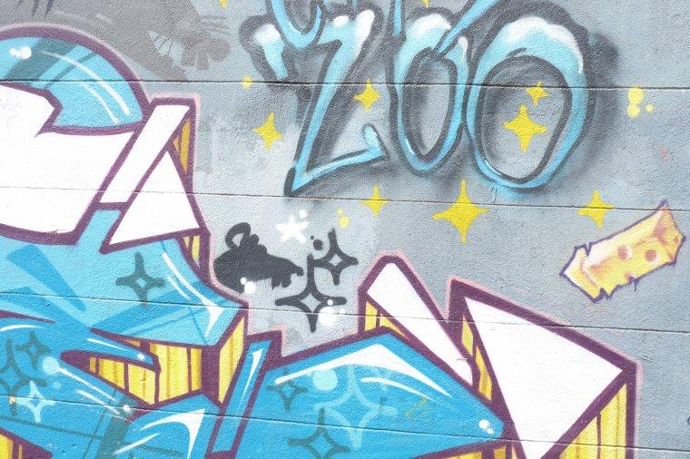 Tags et graffitis quartier du Panier à Marseille ( clin d'oeil à Readydupont )
