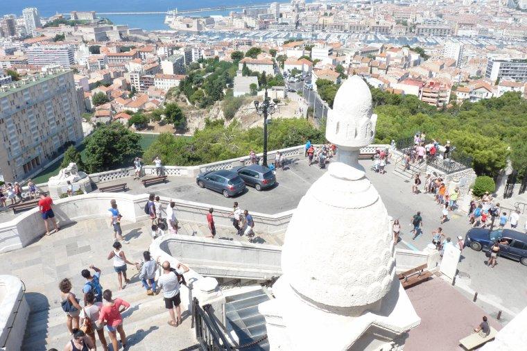 La vue est superbe depuis Notre Dame de la Garde à Marseille