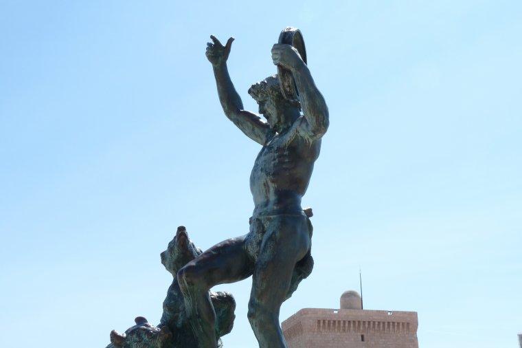 Depuis Marseille où il fait beau avec du vent ,je vous souhaite une bonne semaine