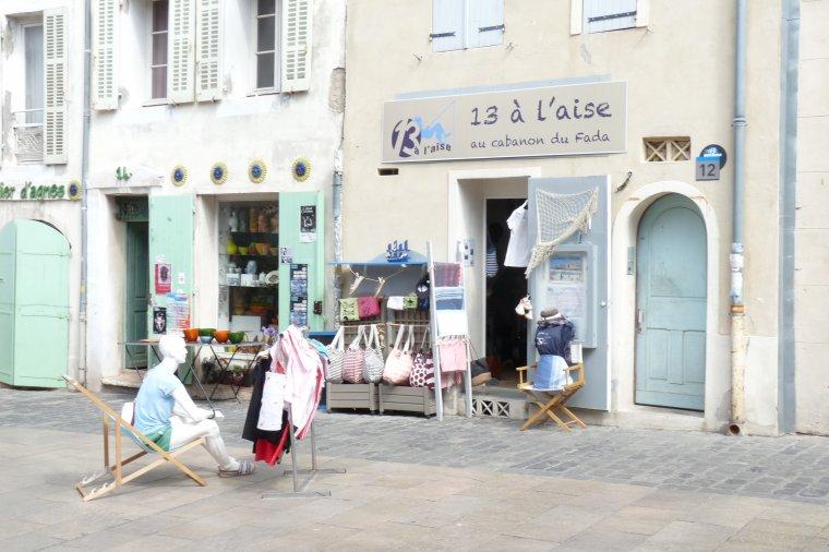 Un petit commerce qui me plait dans le quartier du Panier ( Photo Pierre Paul )