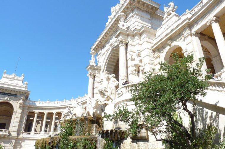 Numéro 9 palais longchamps Marseille