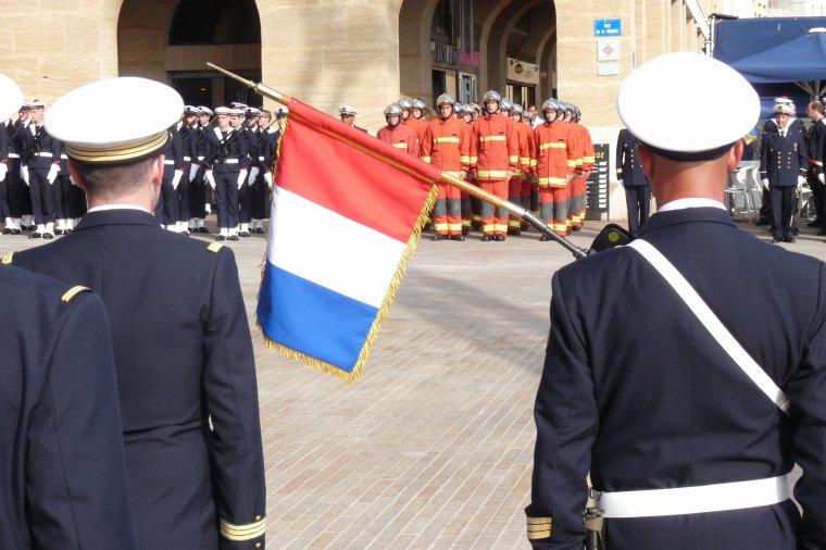 Marseille-Marins Pompiers ( Remises des casques ,médailles et légions D'honneur