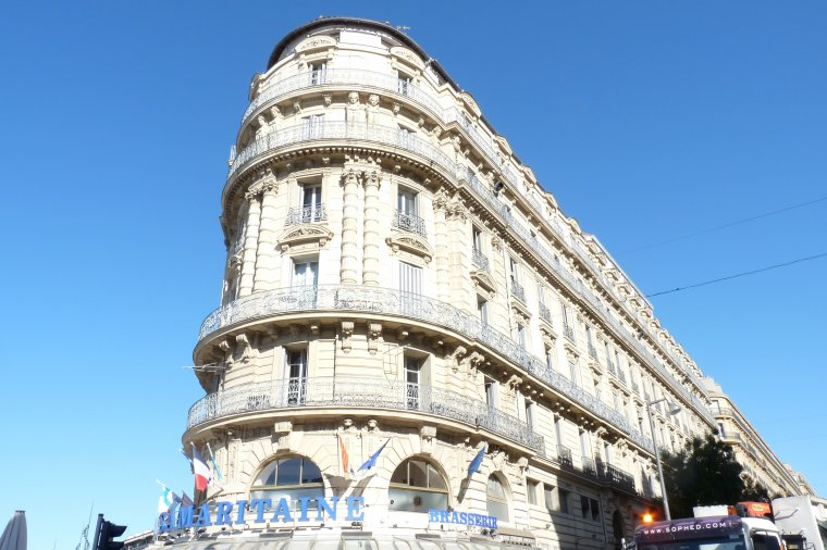 Bas de la rue de République -Vieux Port - Marseille (photo Pierre Paul -compact )