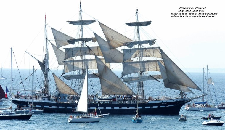 Parade des bateaux ,il y aura dans la semaine;une vingtaine de Photos