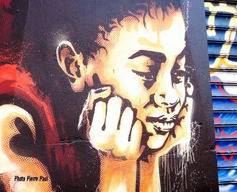 à Marseille toujours dans la quartier de notre Dame du mont ( graffiti -Art de la rue )