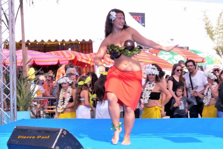 Danse traditionnelle Tahitienne ( Partage Passion Polynésie sur Facebook )