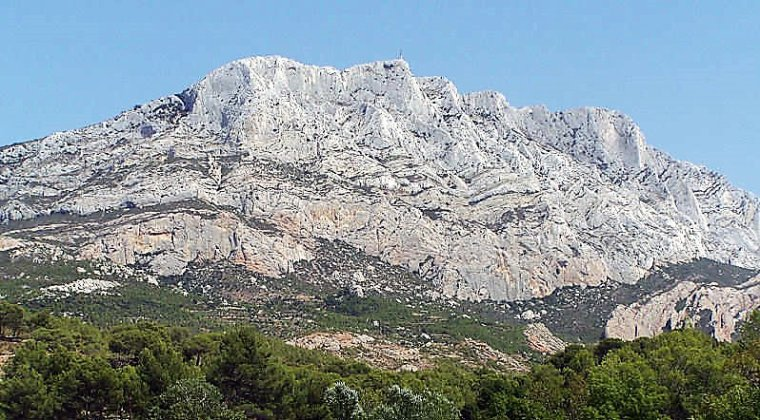 Montagne de la Sainte Victoire nous t'adorons
