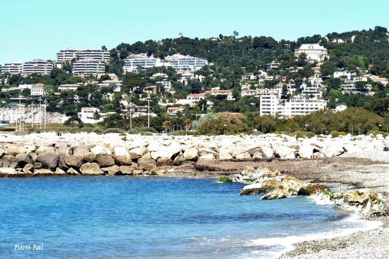 Le beau temps revient enfin sur Marseille ( Bord de mer )