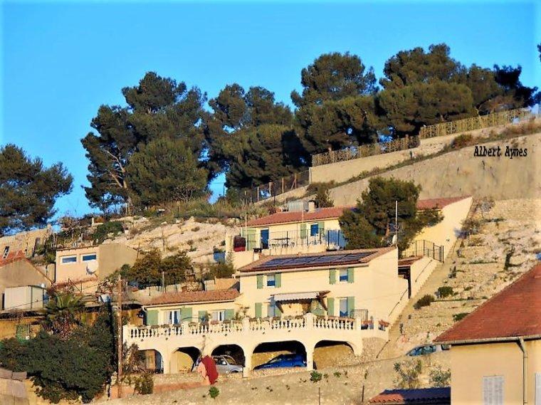 Des maisons avec vue sur la mer pour ces maisons sur les hauteurs de l' Estaque