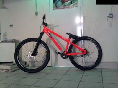 Article n°3 -----> Commencal absolut 2009