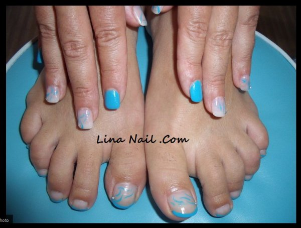 pose en gel avec capsule french vernis bleu nail art bleu lina nail proth siste ongulaire. Black Bedroom Furniture Sets. Home Design Ideas