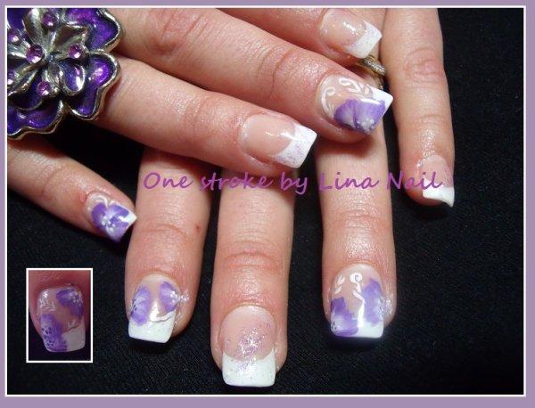 One Stroke fleure violette.