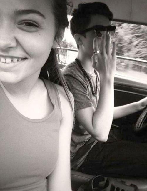 """Greyson Chance et Allison une amie dans sa voiture """"Moise """""""