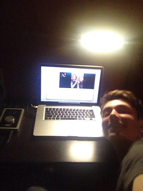"Greyson son twitter "" selfie today w/ tiff, margarite, and rachael "" Sofia aujourd'hui w/tiff, margarite et rachael"