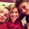 Greyson avec Delany et Alison.