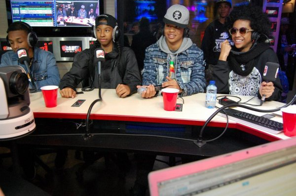 les mindless behavior chez cauet!!!!!! princeton!!! *_*