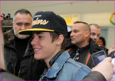 Justin Bieber a l'aeroport de Nice